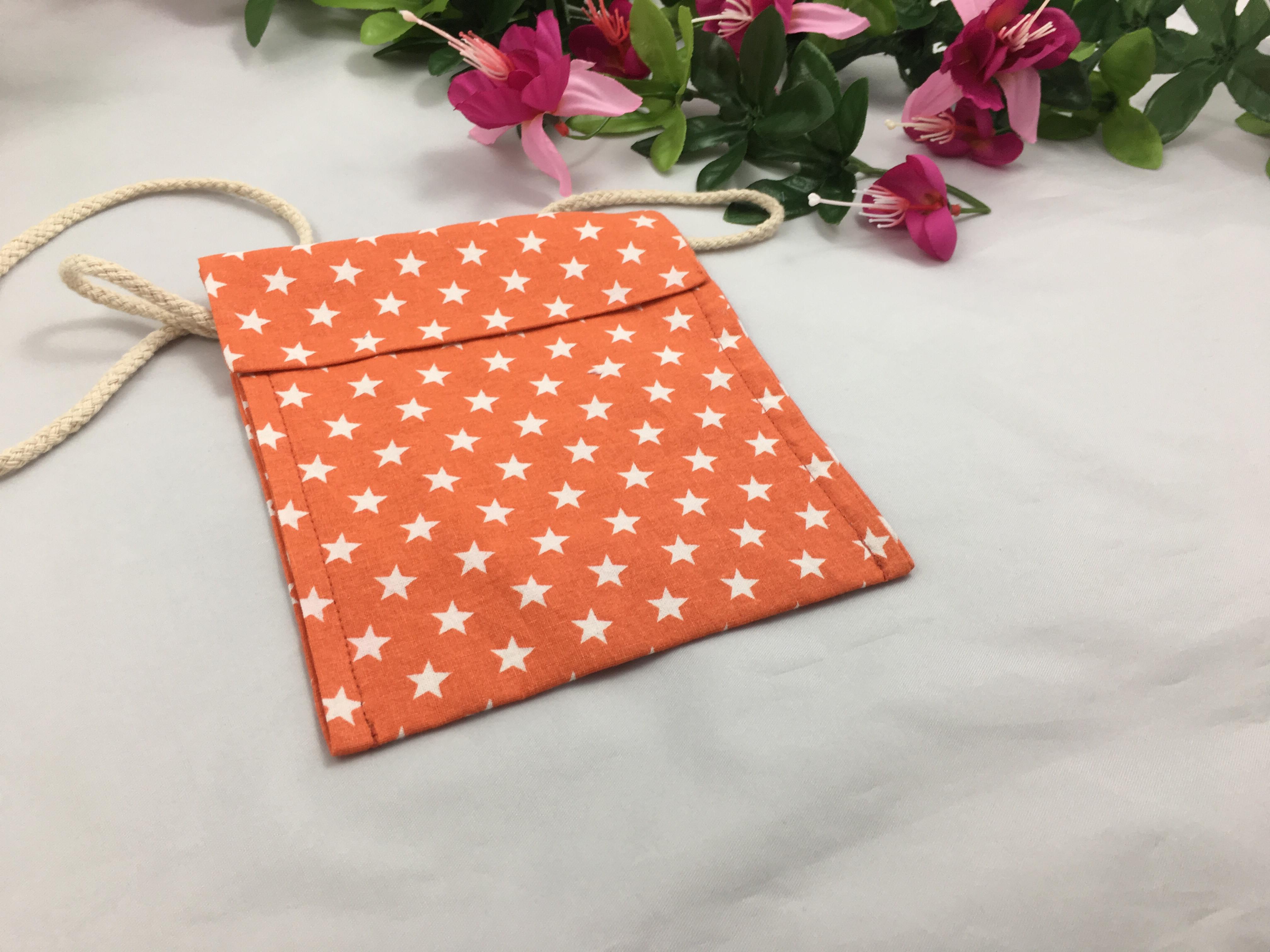 Besace orange étoiles blanches 6