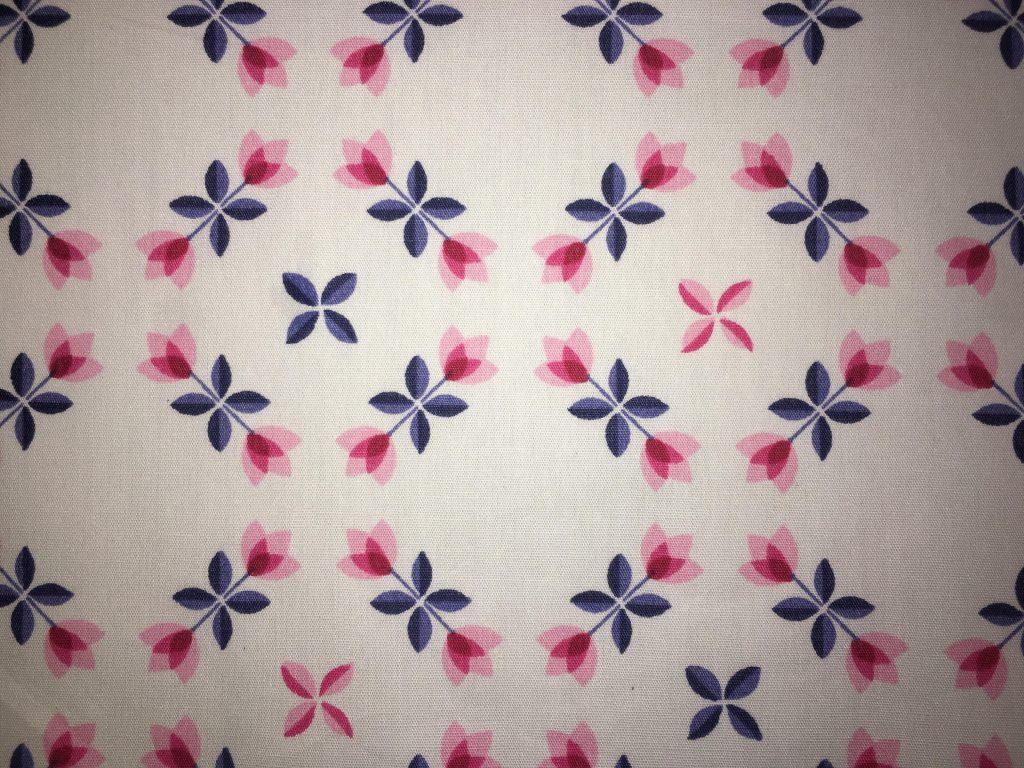 coton blanc fleurs rouge bleu