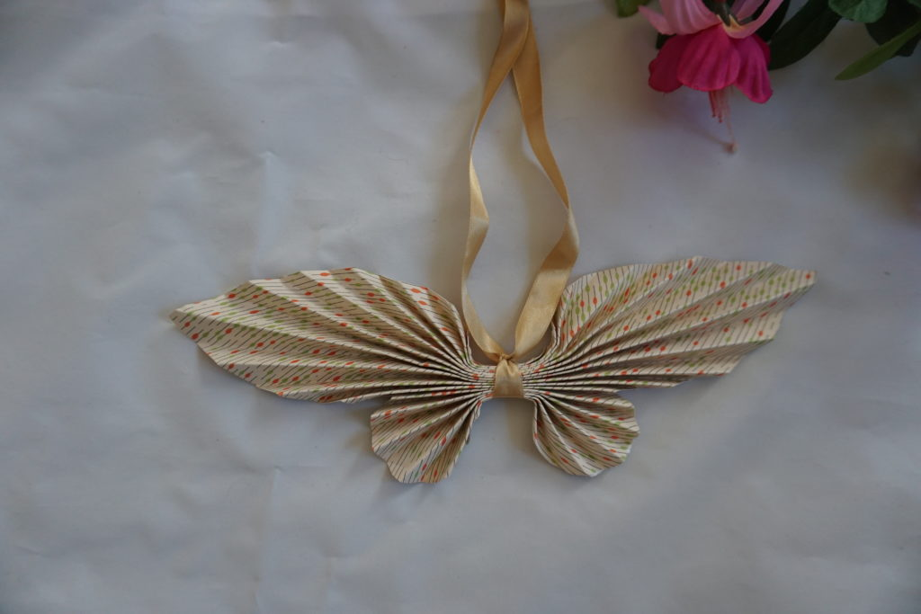 papillons origami papier décoration