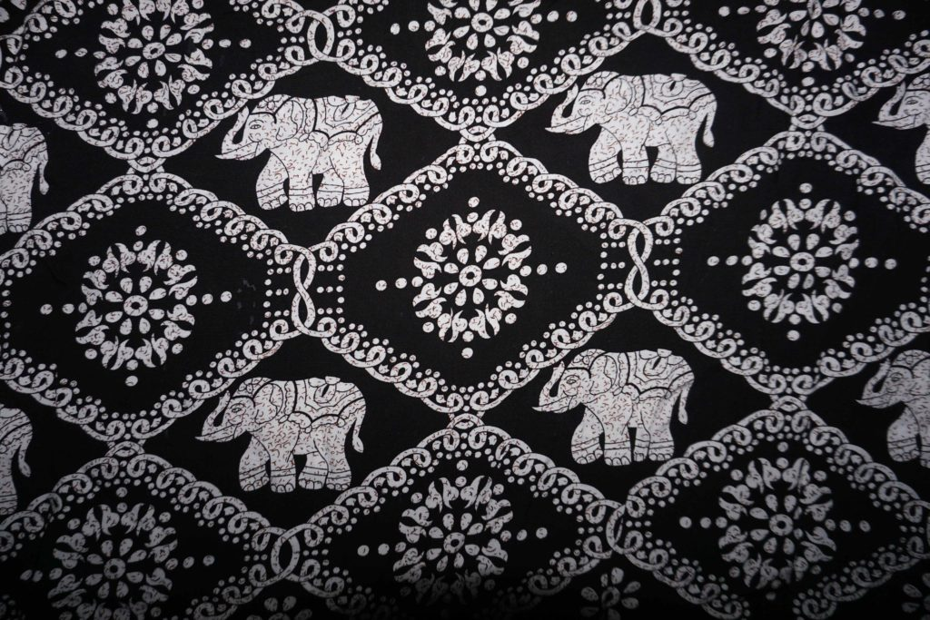 tissu coton noir éléphants laos