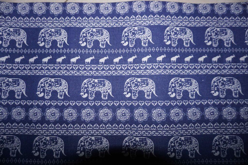 tissu coton bleu éléphants laos