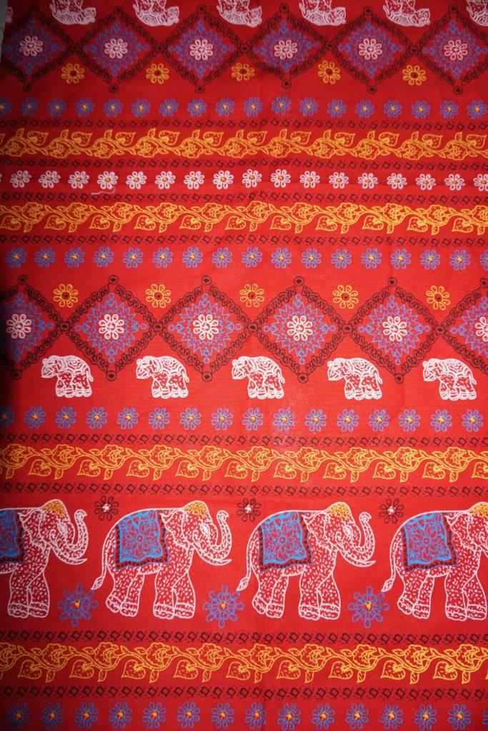 tissu coton rouge éléphants laos