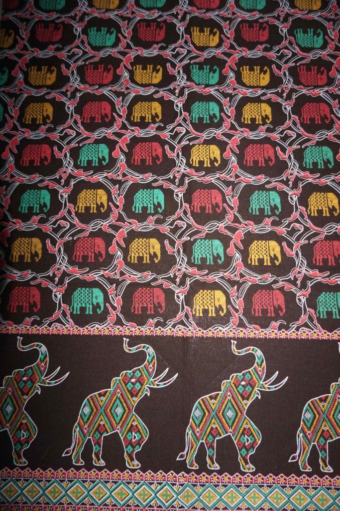 tissu marron éléphant laos